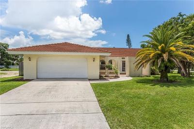 Naples Single Family Home For Sale: 2616 Longboat Dr