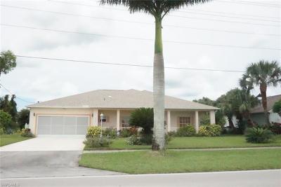 Lehigh Acres Single Family Home For Sale: 721 Milwaukee Blvd