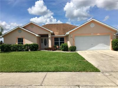 Lehigh Acres Single Family Home For Sale: 18410 Pine Nut Ct