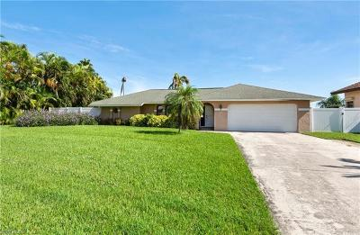 Cape Coral Single Family Home For Sale: 2507 SE 22nd Pl