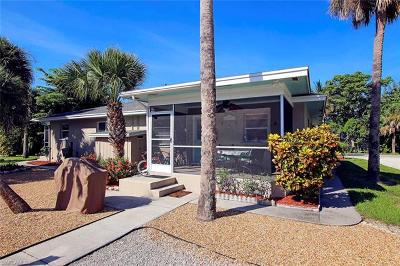 Sanibel Condo/Townhouse For Sale: 832 Donax St #A2
