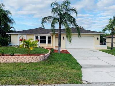 Cape Coral Single Family Home For Sale: 129 SE 18th Ter