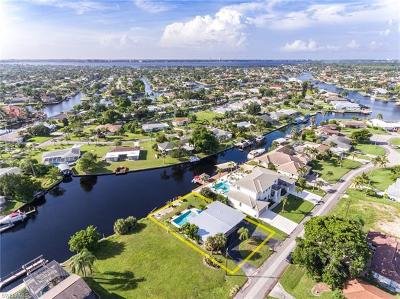 Cape Coral Single Family Home For Sale: 4953 Seville Ct