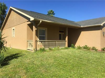 Cape Coral, Matlacha, North Fort Myers Single Family Home For Sale: 1520 SE 15th Pl
