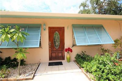 Fort Myers Beach Single Family Home For Sale: 179 Hibiscus Dr