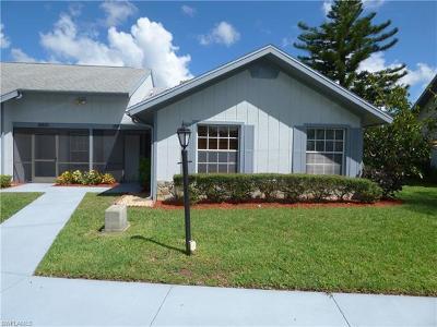 Lehigh Acres Condo/Townhouse For Sale: 10623 Vanceboro Ct