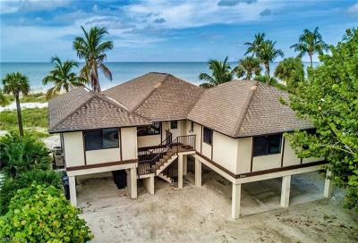 Fort Myers Beach Single Family Home For Sale: 2842 Seaview St