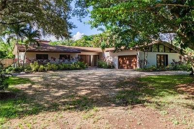 Fort Myers Single Family Home For Sale: 1376 Shadow Ln
