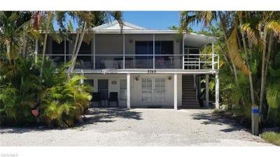 Fort Myers Beach Single Family Home For Sale: 5765 Lauder St