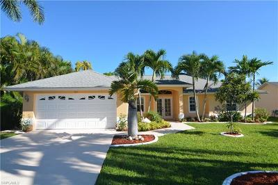 Cape Coral Single Family Home For Sale: 1859 Coral Point Dr