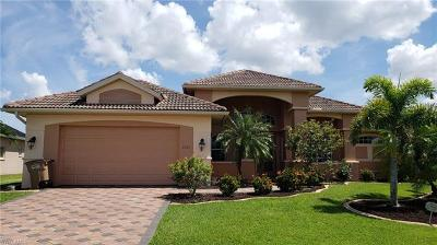 Cape Coral Single Family Home For Sale: 2207 SE 20th Pl