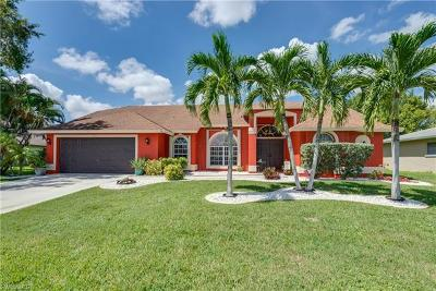 Cape Coral Single Family Home For Sale: 922 SE 20th Ct