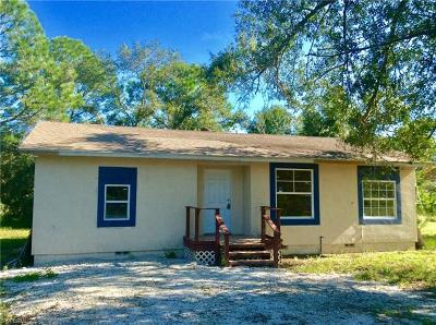 Lehigh Acres Single Family Home For Sale: 957 Pilgrim St E