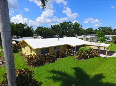 North Fort Myers Single Family Home For Sale: 145 Whidden Rd