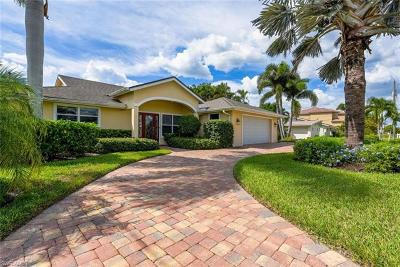 Fort Myers Beach Single Family Home For Sale: 18148 Cutlass Dr