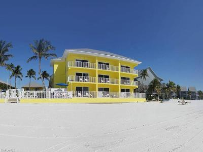 Fort Myers Beach Condo/Townhouse For Sale: 5560 Estero Blvd #124