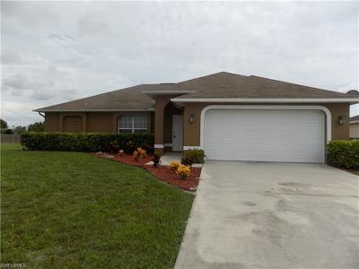 Cape Coral Single Family Home For Sale: 326 NE 27th Ter