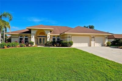 Cape Coral Single Family Home For Sale: 707 SE 34th St