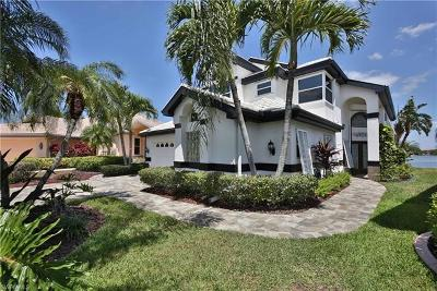 Fort Myers Single Family Home For Sale: 9850 Mainsail Ct