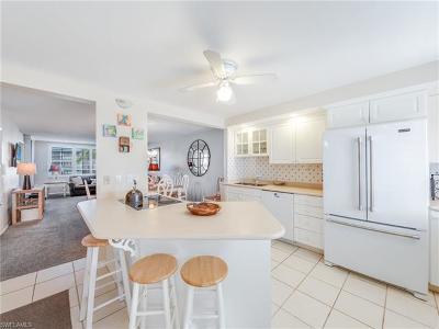 Sanibel Condo/Townhouse For Sale: 979 E Gulf Dr #573