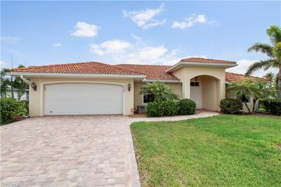 Cape Coral, Matlacha Single Family Home For Sale: 1737 SE 39th Ter