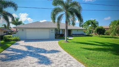 Cape Coral Single Family Home For Sale: 1224 SW 53rd St