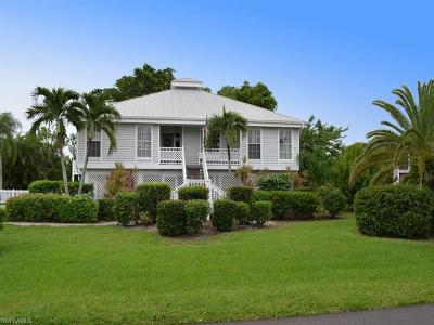 Sanibel Single Family Home For Sale: 1332 Sand Castle Rd