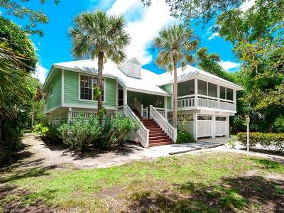 Sanibel Single Family Home For Sale: 256 Daniel Dr