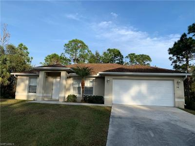 Lehigh Acres Single Family Home For Sale: 241 Nashua Ave