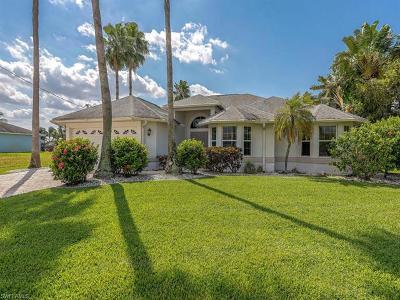 Cape Coral Single Family Home For Sale: 2136 SE 20th Pl