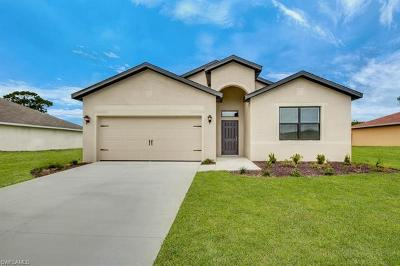 Lee County Single Family Home For Sale: 926 SW 32nd Ter