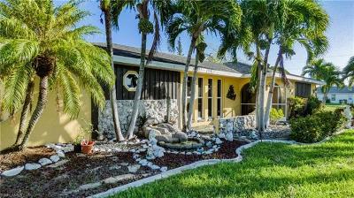 Cape Coral, Matlacha Single Family Home For Sale: 2233 SE 26th St