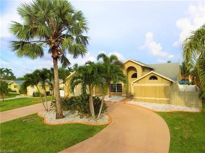 Cape Coral Single Family Home For Sale: 4810 Triton Ct W
