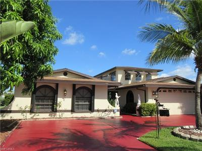 Cape Coral Single Family Home For Sale: 1949 SE 36th Ter