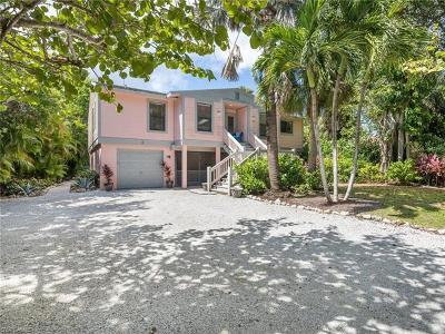 Sanibel Single Family Home For Sale: 707 Cardium St