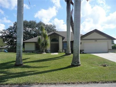Cape Coral Single Family Home For Sale: 1905 SE 11th Ave