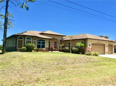 Lehigh Acres Single Family Home For Sale: 673 Creuset Ave S