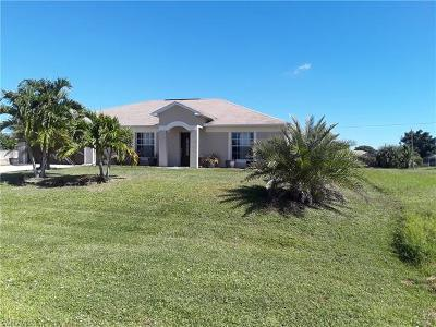 Cape Coral Single Family Home For Sale: 3519 SW 11th Pl