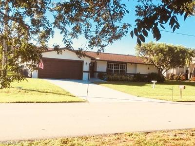 Cape Coral Single Family Home For Sale: 1822 Four Mile Cove Pky