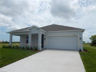 Cape Coral Single Family Home For Sale: 1432 NW 31st Ave