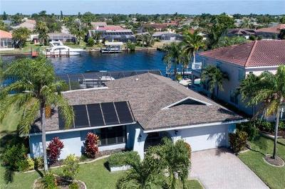 Cape Coral Single Family Home For Sale: 2007 SE 28th Ter