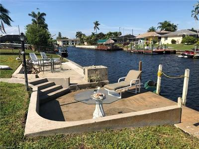 Cape Coral, Matlacha, North Fort Myers Single Family Home For Sale: 5223 Wisteria Ct E