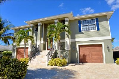 Fort Myers Beach Single Family Home For Sale: 331 Jefferson Ct
