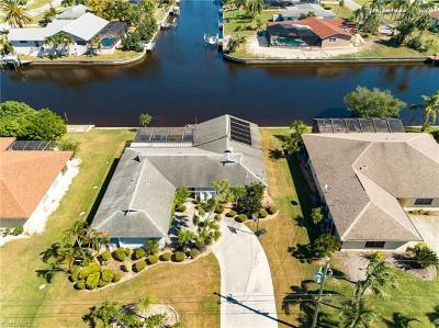Cape Coral, Matlacha, North Fort Myers Single Family Home For Sale: 2209 SE 10th Ave