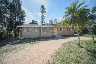 Fort Myers Single Family Home For Sale: 7300 Barragan Rd