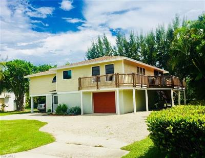 Captiva, Sanibel Single Family Home For Sale: 1304 Sand Castle Rd