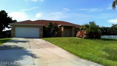 Cape Coral Single Family Home For Sale: 1700 SW 31st Ln