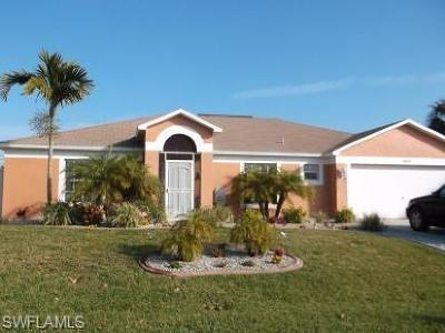 Cape Coral Single Family Home For Sale: 1411 NE 1st Ter