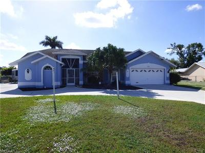 Lehigh Acres Single Family Home For Sale: 708 Arianne Ct