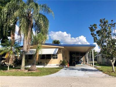 North Fort Myers Mobile/Manufactured For Sale: 728 Knotty Pine Cir